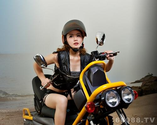 凯通乙本金刚摩托车