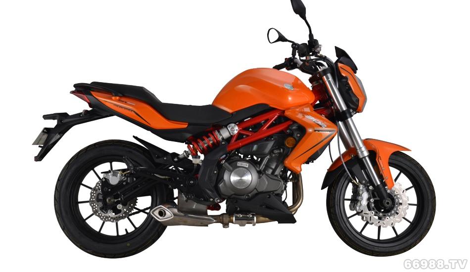 钱江蓝宝龙BJ300GS摩托车