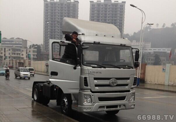 国Ⅳ 4×2 港口码头牵引车 STQ4181L02Y4N4型牵引汽车